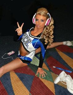 Barbie in human form haha really split Cheer Hair Poof, Cheer Makeup, Varsity Cheer, Cheer Quotes, All Star Cheer, Hate Men, Cheer Dance, A Team, Role Models