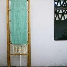 Rebozo de algodón tejido en telar de pedal de la Familia Xochitemol.  Encuéntralo en nuestra tienda en linea @kichink…
