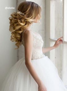 Elstile wedding hairstyles for long hair 11 - Deer Pearl Flowers / http://www.deerpearlflowers.com/wedding-hairstyle-inspiration/elstile-wedding-hairstyles-for-long-hair-11/