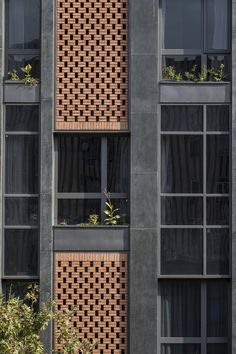 Gallery of Arghavan Family Apartment / Alidoost & partners – 8 Arghavan Family Apartment,© Farshid Nasrabadi Residential Building Design, Modern Residential Architecture, Architecture Résidentielle, Building Exterior, Building Facade, Cladding Design, Facade Design, Modern Brick House, Brick Face