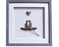 Regalo del día de San Valentín, compromiso / boda regalo para la pareja, pareja en el amor, barco de madera flotante y genuino corazón en forma de piedra, guijarro arte, arte 3D