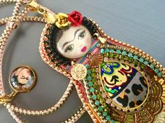 Frida Art doll / Frida Kahlo inspired / Frida pendant /Embroidery pendant / Embroidery necklace /OOAK di Fantasiria su Etsy