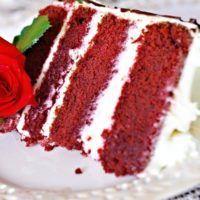 "Recept : Dort ""RED VELVET"" | ReceptyOnLine.cz - kuchařka, recepty a inspirace Red Velvet Recept, Red Velet, Kefir, Meatloaf, Ethnic Recipes, Food, Cakes, Cake Makers, Essen"