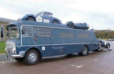 http://www.extravaganzi.com/wp-content/uploads/2013/09/Ecurie-Ecosse1.jpg