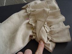 how to make ruffled pants. If I ever have a girl, you better believe she'll be rockin' these pants!
