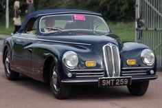 Curbside Classic: 1972 Bristol 411 (and Bristol History) – The Last Great British Eccentric Bristol Cars, Bristol Motors, Gt Cars, Cars Uk, Antique Cars, Vintage Cars, Aircraft Engine, Chain Drive, Great British