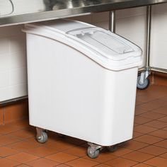 Baker's Mark 21 Gallon White Mobile Ingredient Storage Bin with Lid