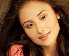 Anupriya Kapoor Wiki, Biography, Age, Height, Husband, Profile. TV Actress Anupriya Kapoor Date of Birth, Net worth, Family Photos, Bra size, Images