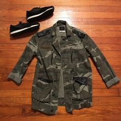 Bdg military jacket XS *shoes not included* Fitted military jacket with pockets from Urban Outfitters size XS Urban Outfitters Jackets & Coats Utility Jackets