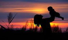 Hoje gostaria de partilhar convosco a história de uma mãe coragem que me inspira todos os dias. Há cerca de um ano atrás a Irina viu-se a braços com uma situação extremamente difícil quando o seu bebé tinha apenas 8 meses. http://angelasilvestre.com/e/blog-historia-de-uma-mae-coragem