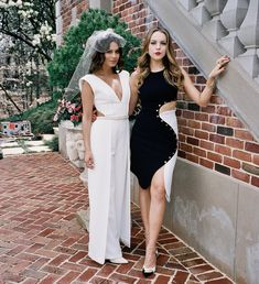 Nathalie Kelley ✾ and Elizabeth Gillies ✾ Dynasty Tv Show, Fashion Tv, Fashion 2017, Fashion Outfits, Fashion Design, Elizabeth Gillies, Tv Show Outfits, Cute Outfits, Casual Chic Outfits
