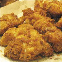 CLASSIC CHICKEN BROAST - Chicken A classic version of fried chicken with a special taste. Spicy inside and crispy outside - classic chicken broast is perfect to serve family and guests. Crispy Fried Chicken, Baked Chicken, Tandoori Chicken, Wing Recipes, Meat Recipes, Cooking Recipes, Kfc, Potato Chip Flavors, Chicken Finger Recipes