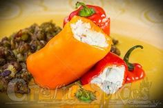 Stuffed Mini Sweet Peppers filled with cream cheese, spices and bacon. Mini Sweet Peppers, Stuffed Sweet Peppers, Appetizer Recipes, Appetizers, Healthy Recipes, Healthy Foods, Main Dishes, Bacon, Spices