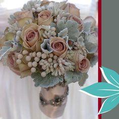 Brunia petalsnbuds pastel grey-blue-pink wedding bouquet