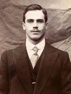 Victorian Gentleman, Vintage Gentleman, Victorian Men, Gentleman Style, Edwardian Style, Dapper Gentleman, Antique Photos, Vintage Pictures, Vintage Photographs