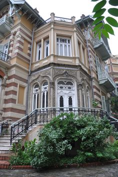 Mehmet Kapantzi villa , a Jews' rich family mansion built in by the Italian architect Pierro Arrigoni , mostly known as NATO House in the corner of Vas.Olgas Avenue and Mpotsari Street,Thessaloniki Amazing Architecture, Architecture Design, Wonderful Places, Beautiful Places, Macedonia Greece, Grand Homes, Windows And Doors, Athens, Rich Family