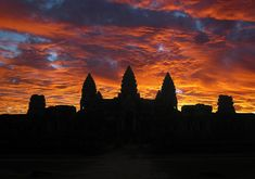 18 Places To Watch Amazing Sunset Aroud The World - Angkor Wat, Cambodia