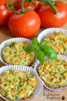 Dietetyczne muffiny z kaszy, dietetyczne muffiny, muffiny śniadaniowe z kaszy jęczmiennej i cukinii.