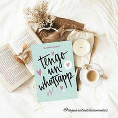 ¡Hola mis amores! Vuelvo con una nueva reseña que tenéis en el #blog de una novela que me ha gustado mucho además de reírme de lo lindo, sin duda os recomiendo. Place Cards, Place Card Holders, Blog, Novels, Author, Cute