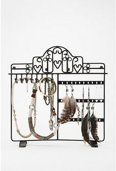 Hearts and Keys Jewelry Stand - StyleSays