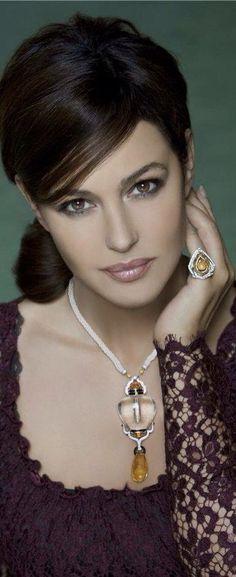 Monica Belucci -Cartier