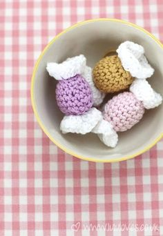 Crochet Sweets for Christmas - 10 Fabulous and Free Christmas Crochet patterns.