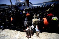 Navios italianos resgatam mais de mil pessoas em 24 horas -    Entre Janeiro e Setembro, 31 mil pessoas chegaram à Europa entrando de barco por Itália e Malta