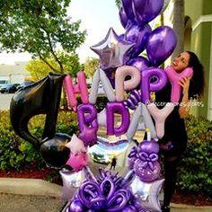 💜💜💜💜 ¡El morado lo volvió hacer! ¿Quien adora este color? . . . Todas nuestras creaciones son diseño exclusivo de @by_nieves CEO de @decoracionesglobos  MIAMI 📲(786)779.75.23 CARACAS 📲 (0424)2697110 SOLO WHATSAPP . . . DecoracionesGlobos 🎈Somos Alegría🎈 #balloondecor #balloonparty #balloonart  #balloons  #globos #arreglodeglobos #balloondecorations  #decoracionesconglobos #decoracionesglobos Birthday Balloon Decorations, Birthday Balloons, Birthday Candles, Balloon Box, Balloon Bouquet, Balloon Ideas, Romantic Surprise, Balloon Arrangements, Large Balloons