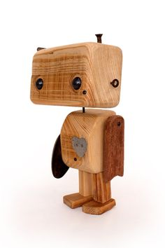 Robot in recycled wood the lover