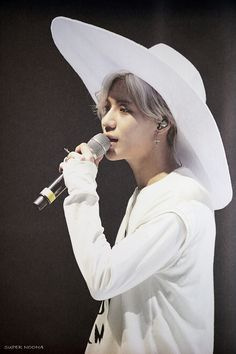 "CD +DVD SHINee CONCERT ""SHINee WORLD IV"" in SEOUL' CD Photobook #Shinee #Taemin"