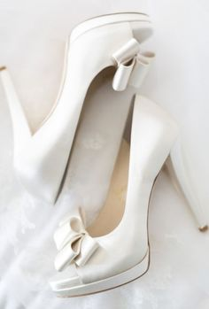 703c8707100d Wedding shoes idea  Featured Photographer  Koman Photography