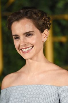 Emma Watson's Magical Braid Features a Secret Beauty and the Beast Symbol Emma Watson has been leaving a trail of beauty inspiration and dropped jaws while on her press tour for Beauty and the Beast. In fact, we were so wowed by her Emma Watson Makeup, Emma Watson Beautiful, Emma Watson Smile, Emma Watson Beauty And The Beast, Emma Watson Casual, Emma Watson Short Hair, Emma Watson Cute, Emma Watson Body, Enma Watson
