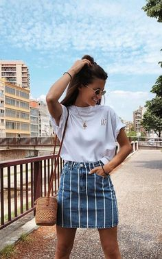 Simple but flirty outfits for a movie date - Kleidung für Frauen - Outfits Inspiration Mode, Fashion Inspiration, Fashion Ideas, Fashion 2018 Trends, Outfit Trends, Mode Outfits, Casual Outfits 2018, Uni Outfits, Party Outfits
