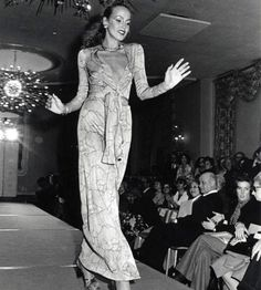 DIANE VON FURSTENBERG debuts first wrap  dress 1973 by Jerry Hall