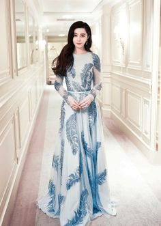 Fan Bingbing wears Ralph and Russo Capsule Ready-to-Wear Collection to the Festival du Cinéma Kaftan, My Fair Princess, Princess Charlene, Ralph & Russo, Fan Bingbing, Gowns With Sleeves, Chinese Actress, Classy Outfits, Stylish Outfits