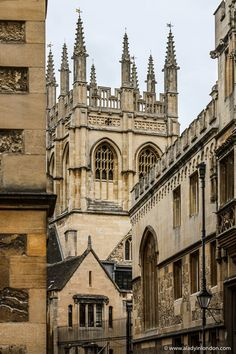 Oxford College, London College, College Aesthetic, Travel Aesthetic, Dibujos Tumblr A Color, Best University, University Of Oxford, Warwick Castle, Stratford Upon Avon