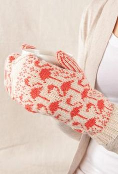 Flamingo Mittens from Knit Picks designers - Super knitting Crochet Mittens, Fingerless Mittens, Crochet Gloves, Knit Crochet, Crochet Granny, Knitted Mittens Pattern, Yarn Projects, Knitting Projects, Knitting Patterns