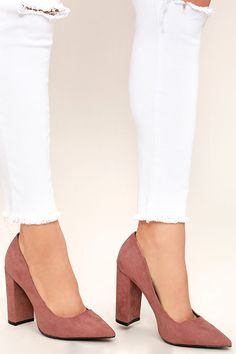 Take the Chyna Mauve Suede Pointed Pumps from the office to the club! These chic and timeless vegan suede pumps have a pointed toe upper, curvy vamp, and sturdy block heel.