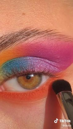 Creative Eye Makeup, Eye Makeup Art, Colorful Eye Makeup, Cute Makeup, Beauty Makeup, Makeup Looks, Eyeshadow Looks, Eyeshadow Makeup, Eyeliner