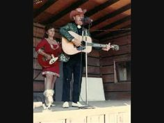"""Ralph Stanley &  Jimmy Martin in their prime at a 1971 festival playing """"Little Maggie"""""""