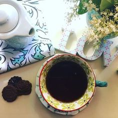 El mejor momento del día ... y si es viernes mejor !! ☕️ #friday #instafriday #instatea #teatime #lovetea #myhome #homesweethome #anthropologie #anthrostyle #anthrohome #myanthrophoto #onthetable #onmytable #enmimesa #relax #instadaily #instapic #instamoment #instaphoto #misfotos