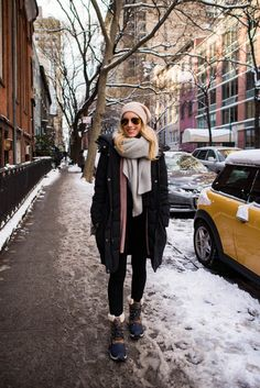 Ootd winter, winter outfits, winter style, stylish winter coats, cold w Winter Layering Outfits, Winter Dress Outfits, Winter Fashion Casual, Casual Winter Outfits, Dress Winter, Winter Style, Cold Weather Dresses, Cold Weather Fashion, Cold Weather Clothing