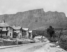 Golden Oldies - 18 Old Cape Town Pics - Cape Town is Awesome Antique Pictures, Old Pictures, Old Photos, Vintage Photographs, Vintage Photos, Cities In Africa, Cape Town South Africa, Most Beautiful Cities, Pictures To Paint