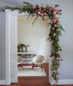17 Fun Ideas To Celebrate Spring With Flower Decor 🏠 homedecor home homedecorideas homedesign kitchen kitchendesign diy decor dresses women womensfashion workout beauty beautiful fashion ideen ideas 🏠 Decoration Bedroom, Diy Home Decor, Floral Bedroom Decor, Whimsical Bedroom, Home Entrance Decor, Floral Room, Diy Casa, Deco Floral, Flower Decorations