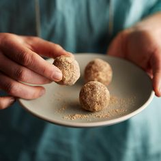 Powdered Doughnut Bites