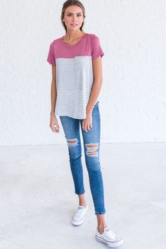 Mauve colorblock tee, casual outfit ideas for women, casual spring outfits