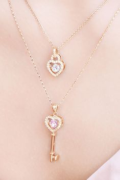 Diamond Necklace / Gold Round Cut Diamond Trio Cluster Necklace / Three Diamond Floating Necklace / Everyday Jewelry / Black Friday Every woman needs some sparkle in her life. Charm Jewelry, Silver Jewelry, Jewelry Necklaces, Jewelry Ads, Jewellery, Dainty Jewelry, Jewelry Holder, Indian Jewelry, Antique Jewelry