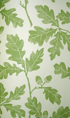 Oakwood Wallpaper: Light cream wallpaper with print of oak leaves in green
