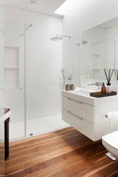 Casa de Banho: Casas de banho modernas por GAVINHO Architecture & Interiors