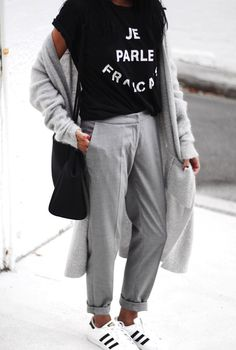 Grey And Black Style Personal Style - Love Outfits Fast Fashion, Look Fashion, Fashion Outfits, Womens Fashion, Fashion Trends, Fashion Bloggers, Fashion Guide, Fashion Details, Fashion Clothes